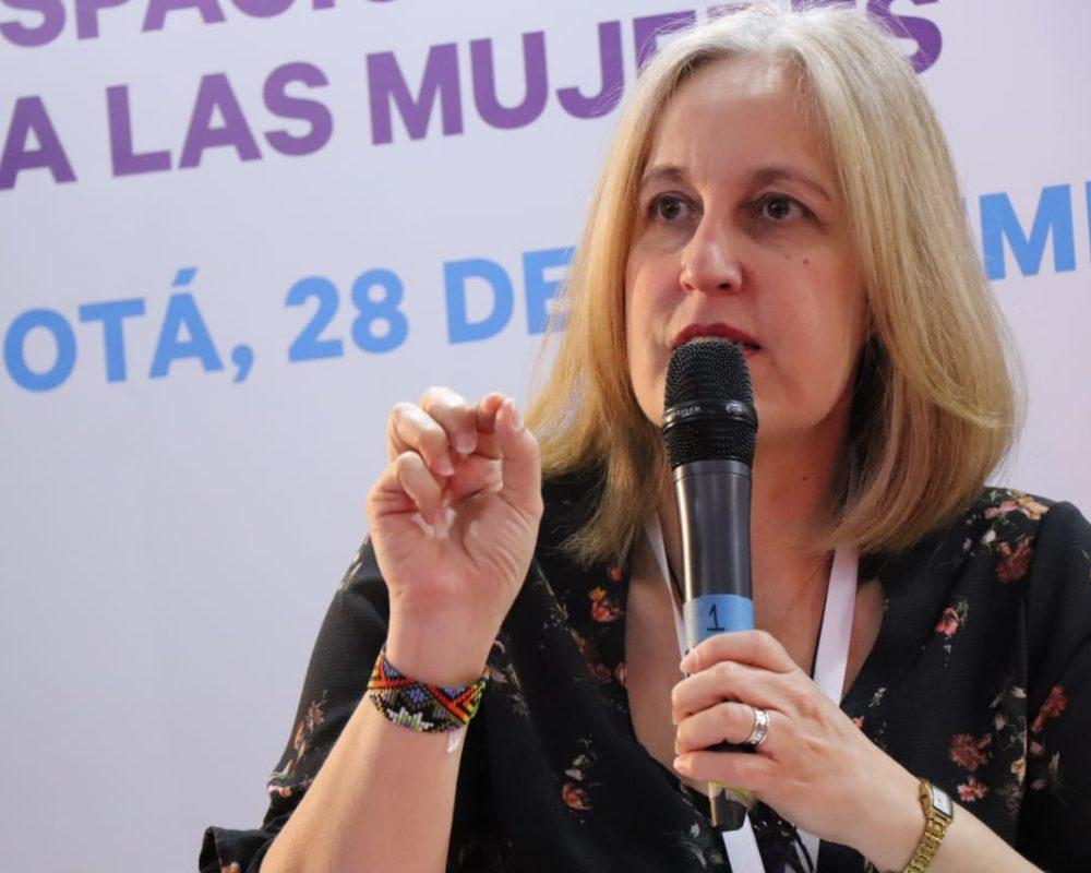 """Sandra Luna en el conversatorio """"Me Muevo Segura"""" organizado por la Secretaría de la Mujer, Bogotá"""